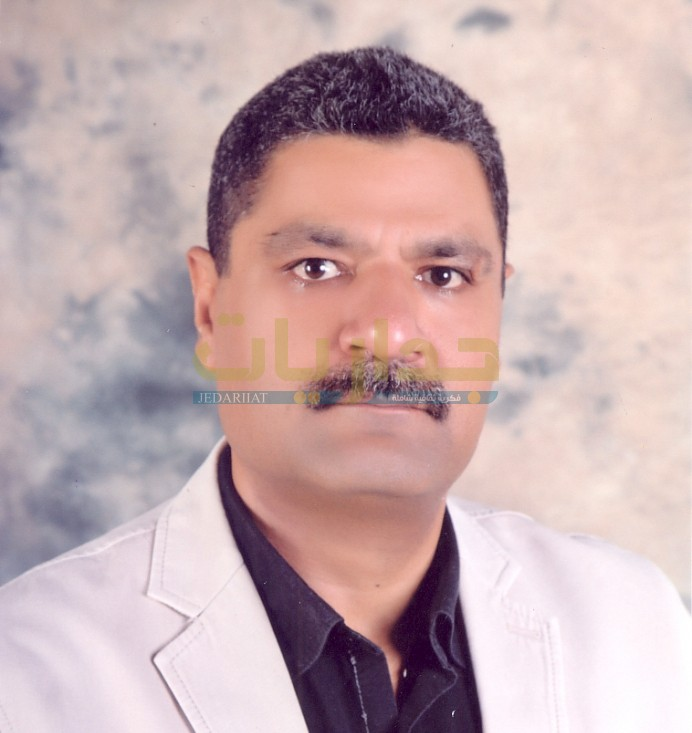 الكاتب محمود حمدون