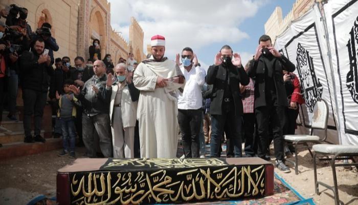 صلاة الجنازة على الفنان يوسف شعبان