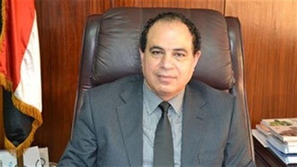 الدكتور أحمد مجاهد