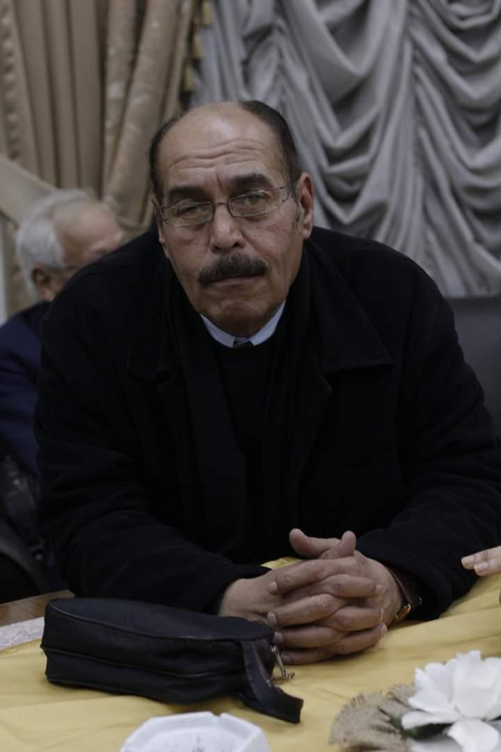 الكاتب أيمن عبد العاطي