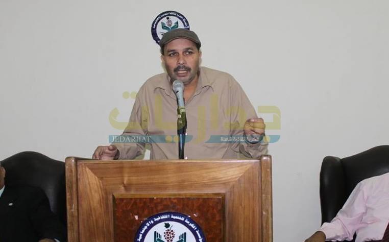 الشاعر ياسر أنور