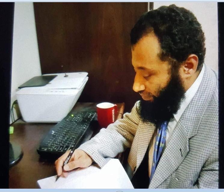 الكاتب فاضل متولي