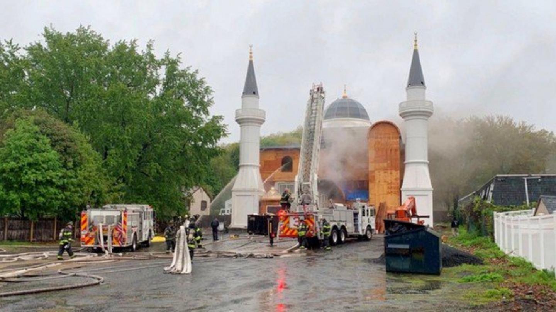 الاعتداء على المساجد