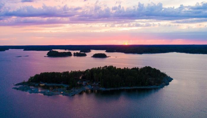 جزيرة super she في فنلندا