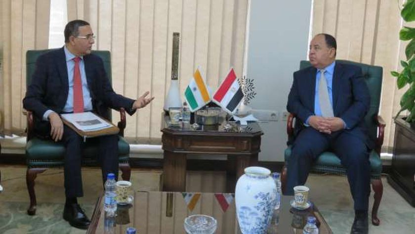 اجتماع وزير المالية مع السفير الهندي