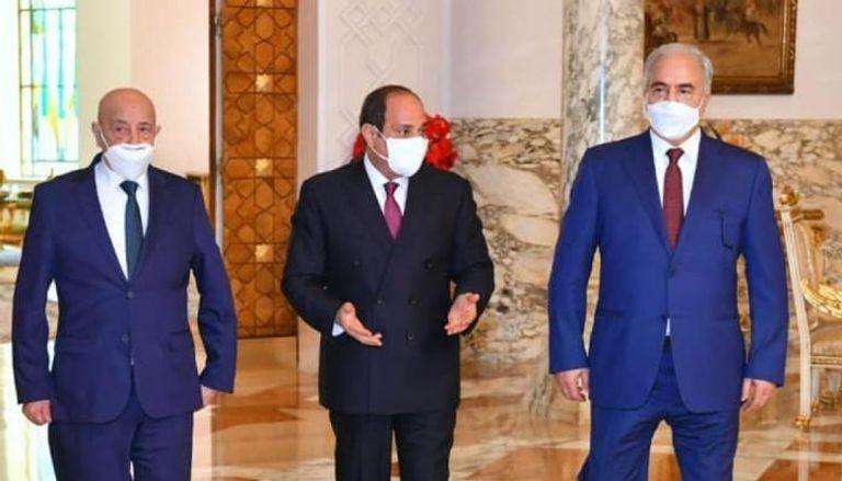 السيسي في استقبال سابق لخليفة حفتر وعقيلة صالح