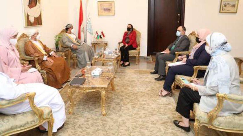 اجتماع وزيرة البيئة مع رئيس هيئة البيئة بسلطنة عمان